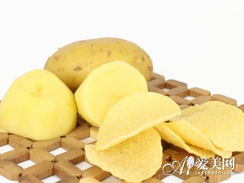 警惕翻新土豆吃出病 三招辨别真假新土豆