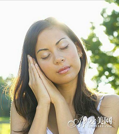 夏季容易犯困没精神 8种食物提神抗疲劳