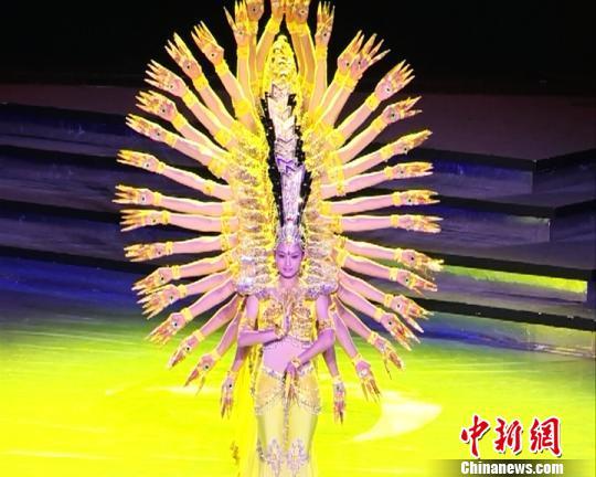 中国残疾人艺术团曲靖献艺励志演出感动全场