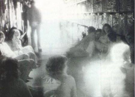 最恐怖的照片_电影史上最恐怖的十大鬼片