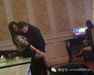 【微干爹】女儿坑亲爹,儿子坑女同,天下学也被蔡徐坤表情包_搜狐搞笑_搜狐网图片