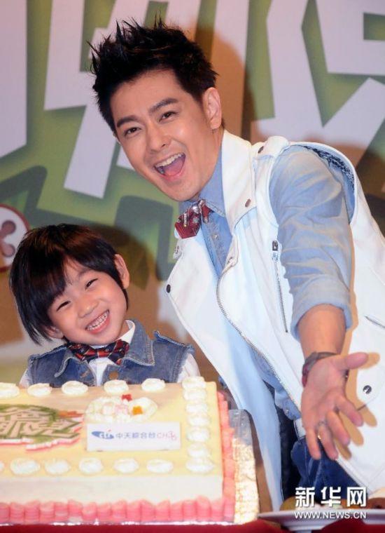 #(晚报)(2)电视节目《爸爸去哪儿》上档记者会在台北举行