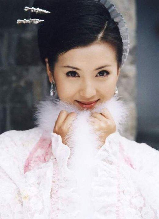 明星古装大PK 刘亦菲范冰冰Angelababy谁更美