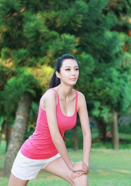 中国第一黄金比例美女艾尚真最新照片图【3