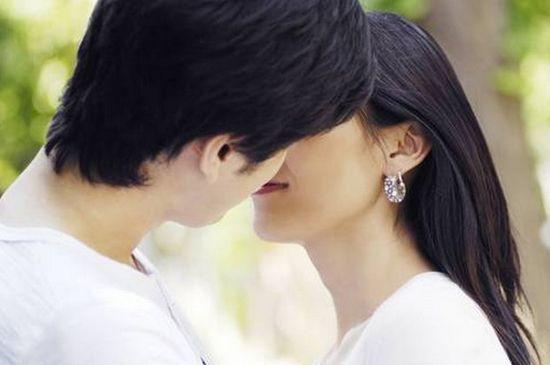 日媒盘点女性最理想的Kiss方式