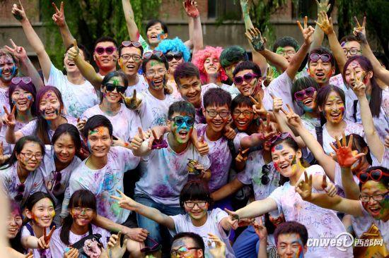 高清:西安交大The Color Run 终点色彩派对壮观
