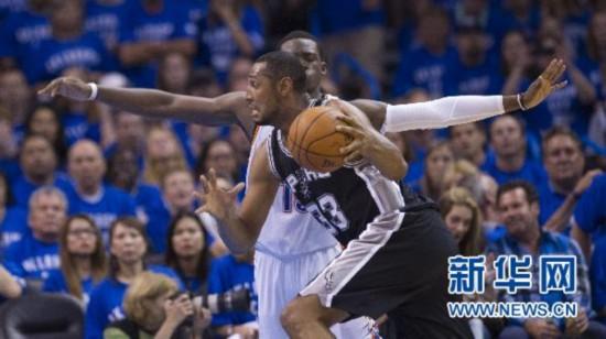 NBA季后赛西区决赛第三场:雷霆vs马刺1比2