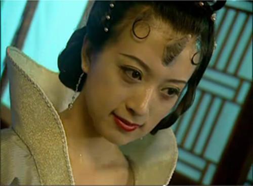 金巧巧戛纳晒夫 图揭长相平平却被豪门砸中的女星