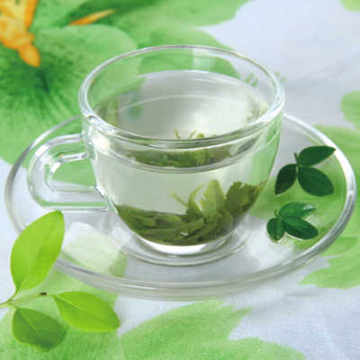 ,研究还发现,茶叶中的儿茶素可 建议每天至少喝1杯茶.夏季消暑