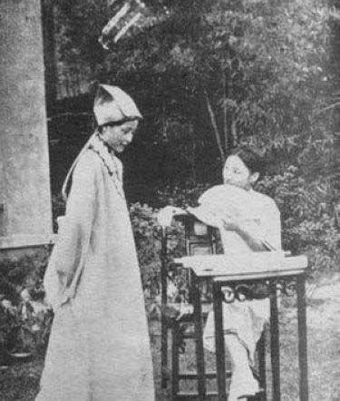 陆小曼/那年,唐瑛与陆小曼被称为交际场上的明星,素有南唐北陆之说。...