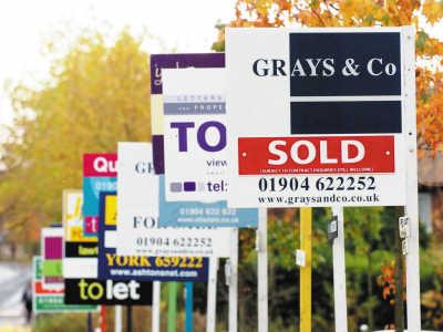 英国房价飙升居民已承受不起政府坐不住了