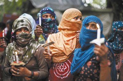 印度3疑犯承认轮奸吊死两少女 最重可判死刑