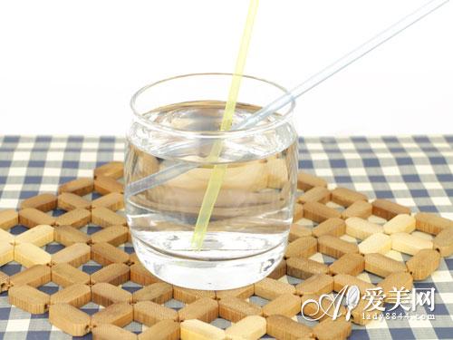 喝错水引发缺氧+早衰! 远离5种