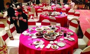 南京婚宴餐桌浪费严重:50桌仅一人打包