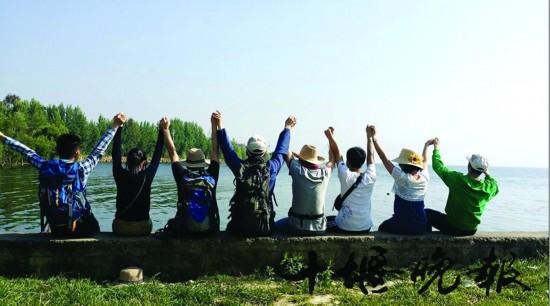游_和同学一起游云南大理洱海(图片由受访者焦同学提供).