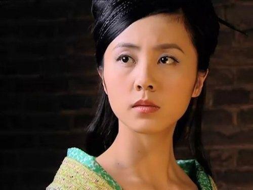 杨幂 刘亦菲 孙莉/孙莉和黄磊是戏校的同学,172的个头,身材苗条肤色白皙,很有...