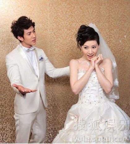 吴尊和老婆林丽莹结婚照 2013年10月2日,吴尊回台为新书《决定勇图片