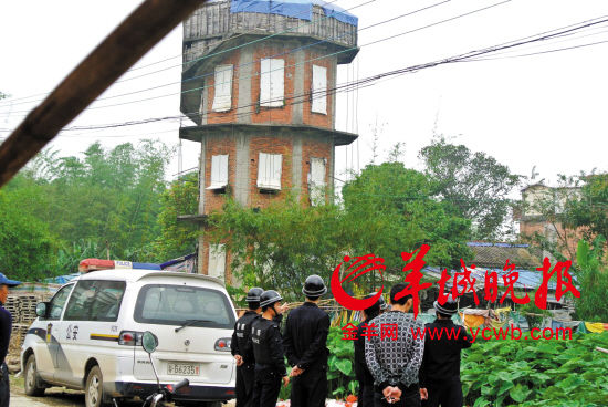 广东湛江农民自称是朱元璋后人 自创 朱家神教