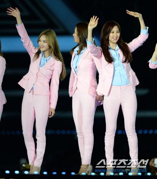 韩国2014梦想演唱会少女时代再掀粉色风暴 秀