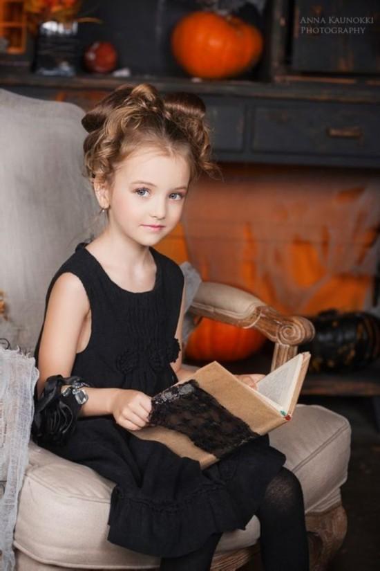 俄罗斯童模精灵古怪 百变萝莉嫩出水高清组图