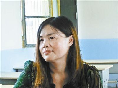老师秦开美自己做人质让学生得以疏散