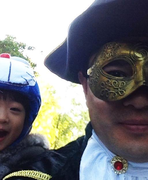 敬一丹董卿朱军李思思 央视主持人晒的自拍照(图)  2013年10月