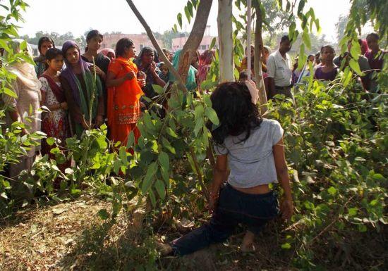 印度再发少女遭强奸悬挂树上惨案