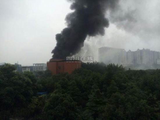 成都一制药厂发生爆炸引发火灾