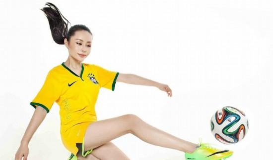 美女央视主播化身足球宝贝大秀性感(性感)王思聪一姐组图图片