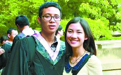 """武汉大学""""学霸""""情侣考进同一所美国名校"""