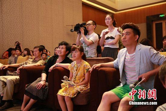 黄磊不怕女儿过度曝光:她已经在娱乐圈了