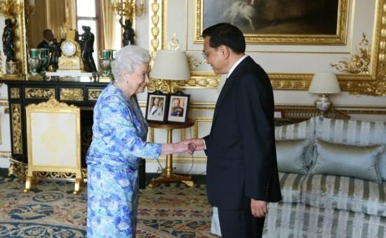 英国女王会晤李克强总理及夫人
