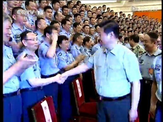 习近平:为建设强大人民空军提供可靠保证