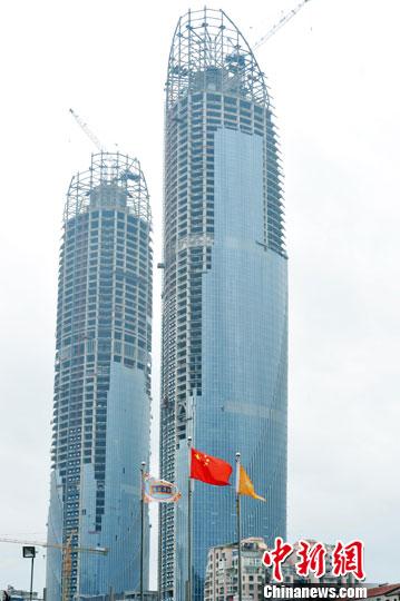 """厦门新地标""""双子塔""""大厦即将建成 高达300米"""