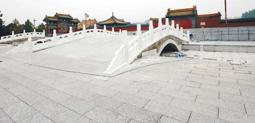 沈阳故宫南墙外广场将建42米高努尔哈赤雕像(图)