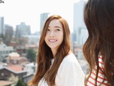 ...krystal姐妹的日常生活为题材的纪实类节目《jessicaamp;...