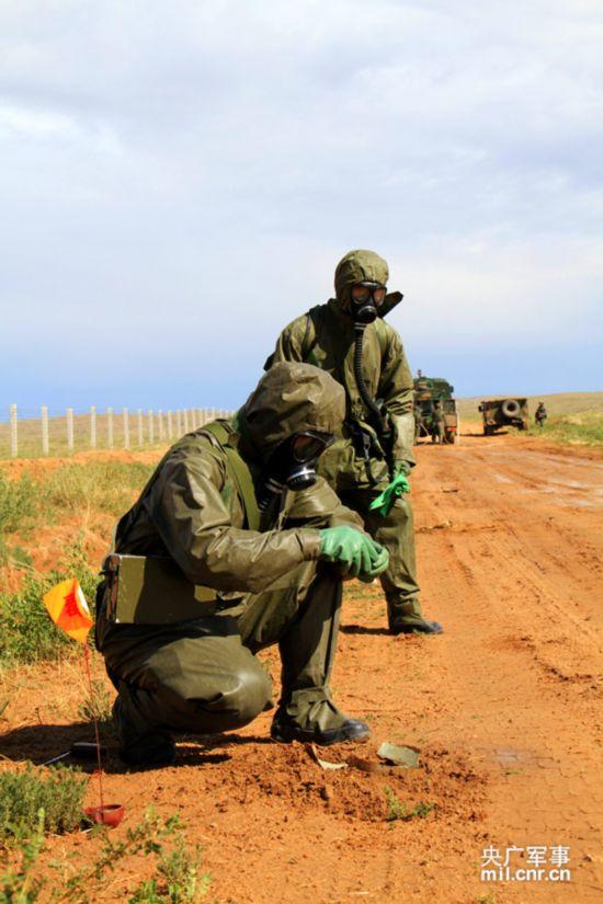 跨越 2014·朱日和C济南军区某旅800战车昼