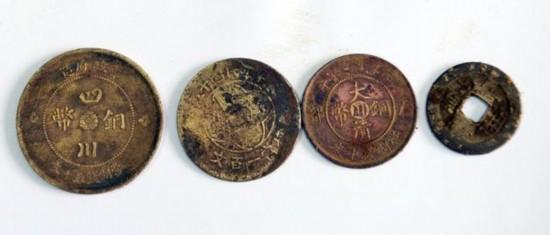 四川古蔺工地挖出12000枚古币 重达数百斤