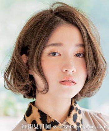 圆脸适合什麽发型 甜美卷发最修颜【5】