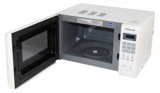 现在很多家庭都拥有微波炉,慢慢接触了烘焙之后,许多家庭入手了电烤箱。是不是有很多人跟小编一样存在一个疑惑就是微波炉也可以做蛋糕烤鸡翅,为何还要买烤箱呢?微波炉和烤箱同样作为厨卫电器,同样可以加热食物,它们诸多的相似点常常让人误解。这两者区别到底有哪些呢?今天,就让小编带大家科普一下。