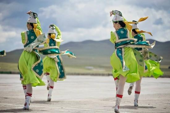 蒙古衣服矢量图
