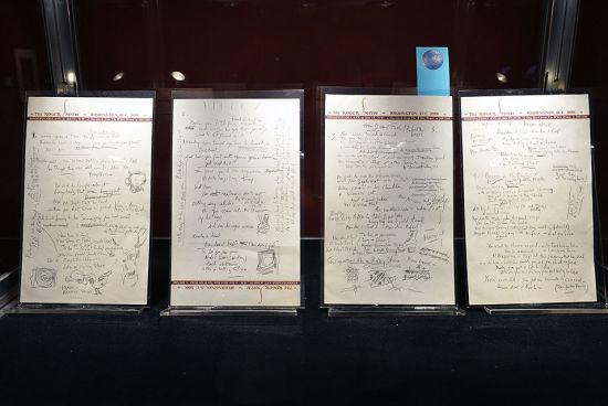 鲍勃・迪伦200万美元天价出售《像一块滚石》歌词