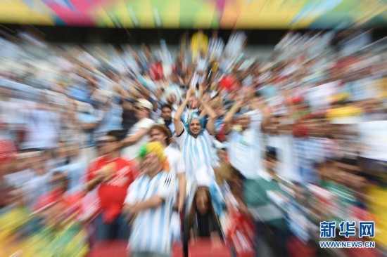 (世界杯)(4)足球――小组赛F组:助威世界杯