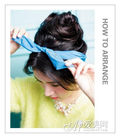 刘海编发步骤详解 三步提升甜美度  原标题:头巾的系法图解 打造时尚