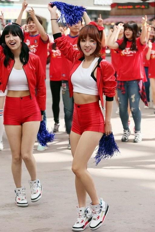 巴西世界杯韩国队的球迷和啦啦队:美女质量高