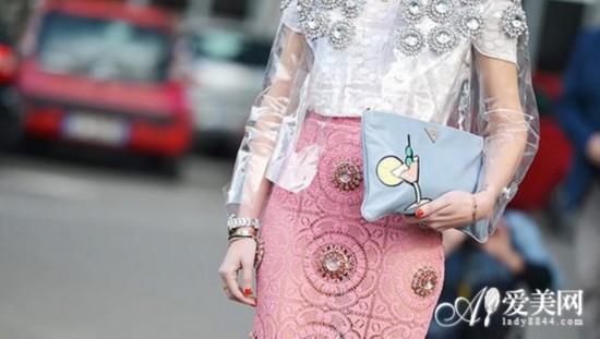 新时尚指南:今夏包袋3大流行解读