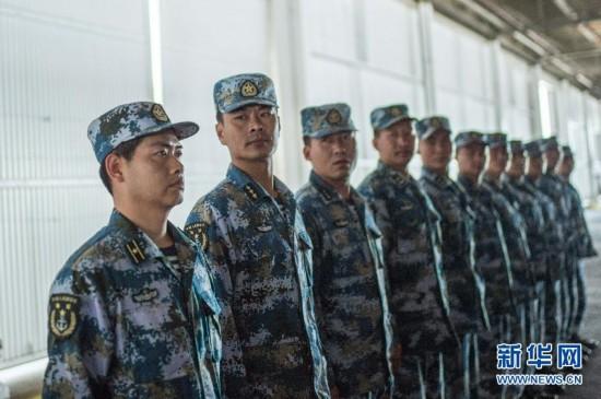 中国海军精锐蛙人部队进驻环太军演潜水基地图片