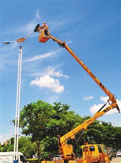 3万多盏节能灯照亮椰城 一年节电700万度