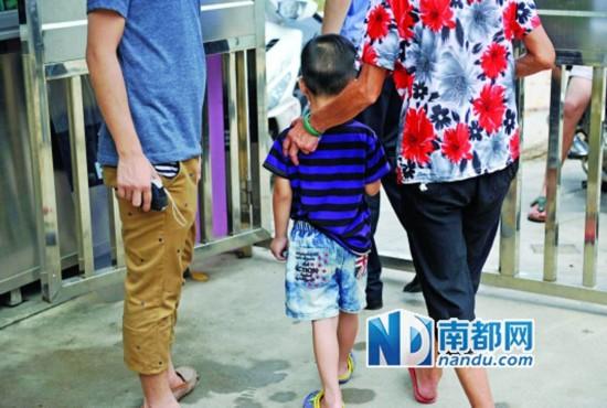 广州5岁女生称被女眼镜用打火机烧生殖器(高清男童搭配老师图片