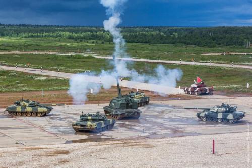 俄媒披露8月坦克赛:中国军人驾本国坦克参赛